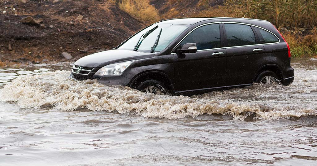 driving-car-flood-conditions